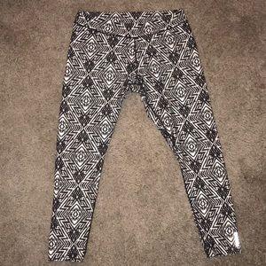 Reebok Aztec print performance leggings XL